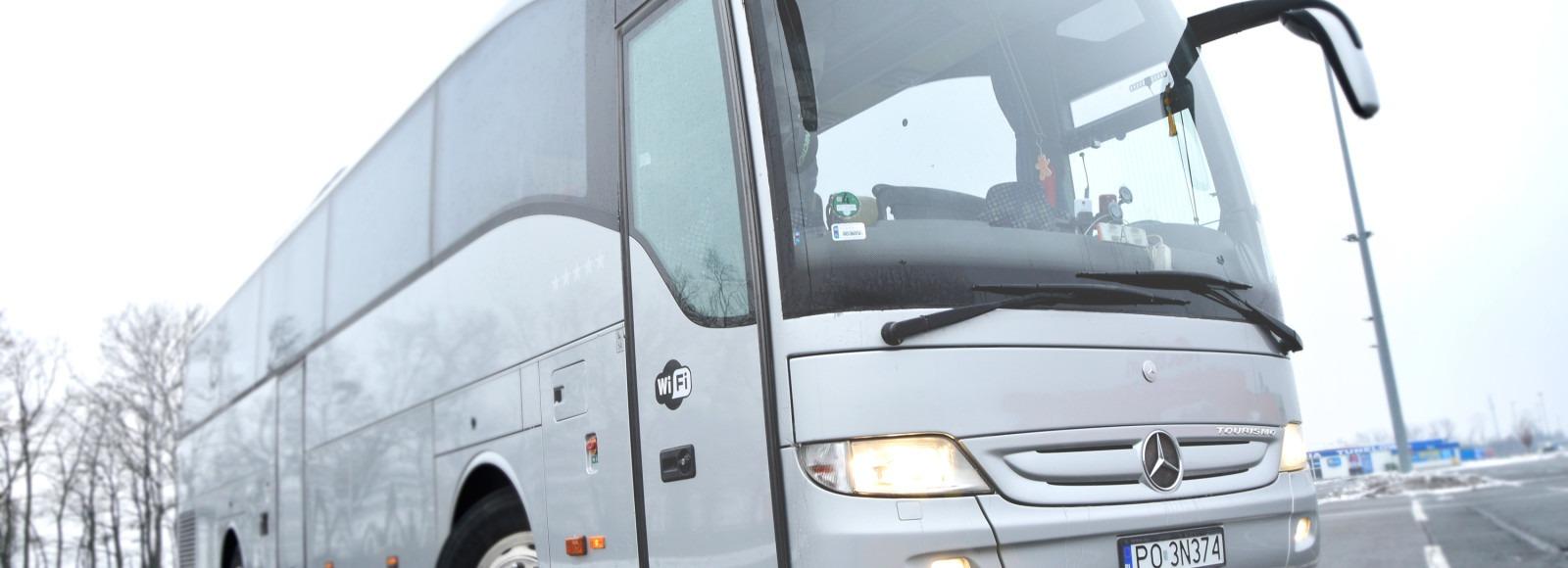 Mercedes-Tourismo-1